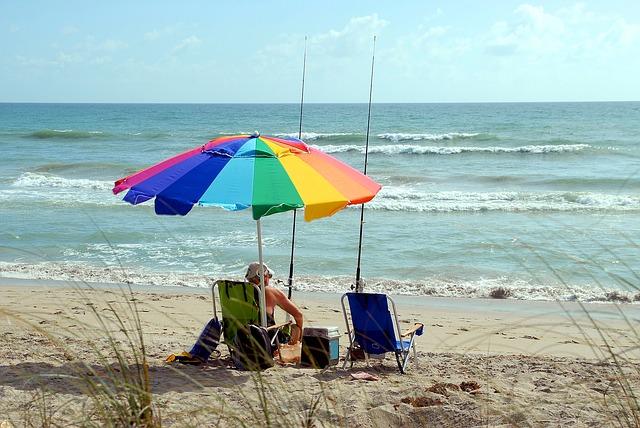 surf-fisherman-1624704_640