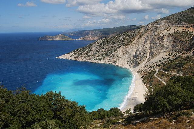 640px-Myrtos_Beach,_Kefalonia