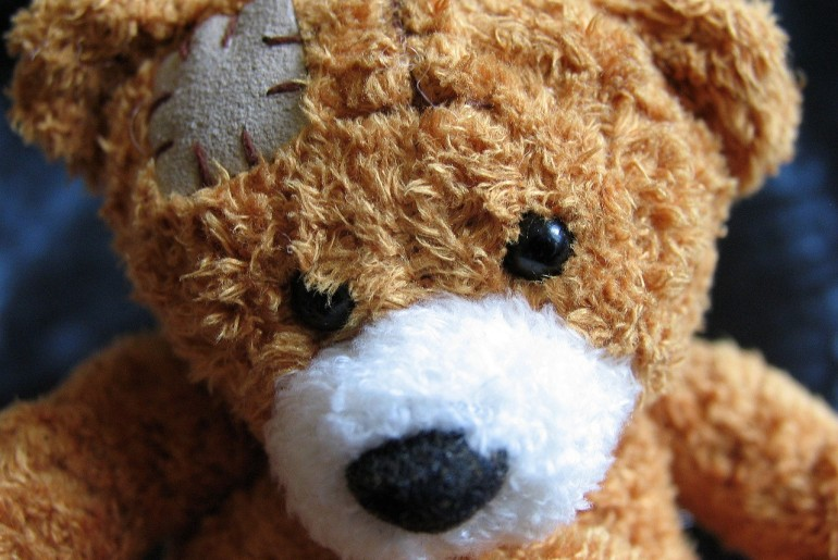 plush-teddy-bear-1082525_1280