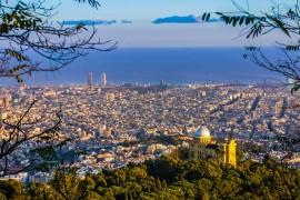barcelona-838716_640