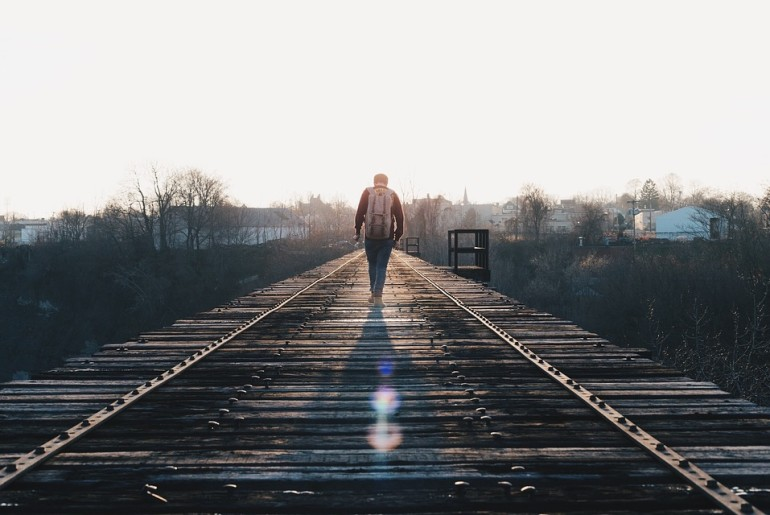 train-tracks-1081672_960_720