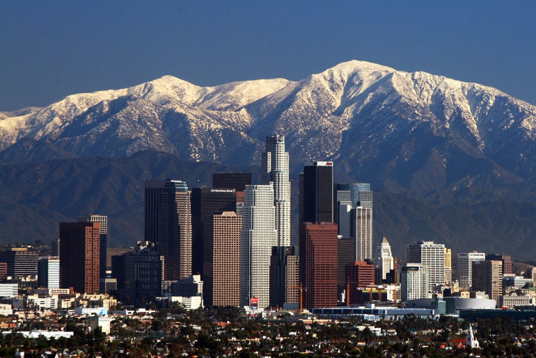 1200px-LA_Skyline_Mountains2 (1)
