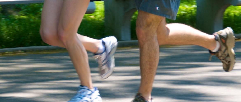 Jogging_couple_-_legs