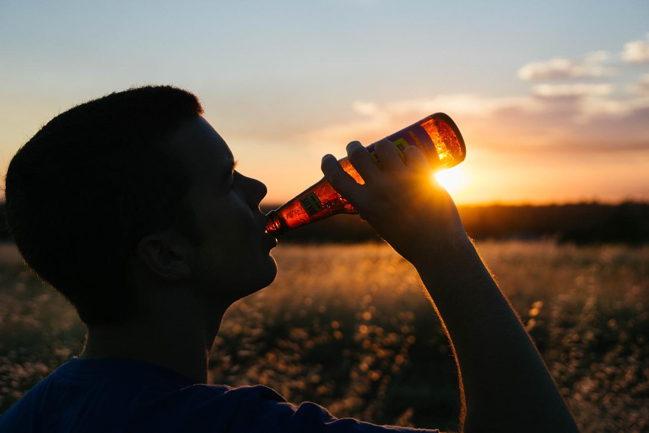 drinking-925288_1280