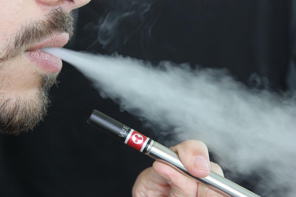 e-cigarette-1301670_960_720