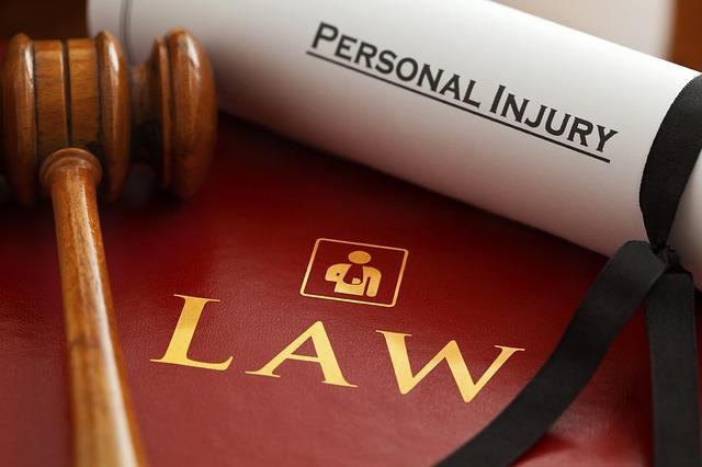 lawyers-1000803_640 (1)