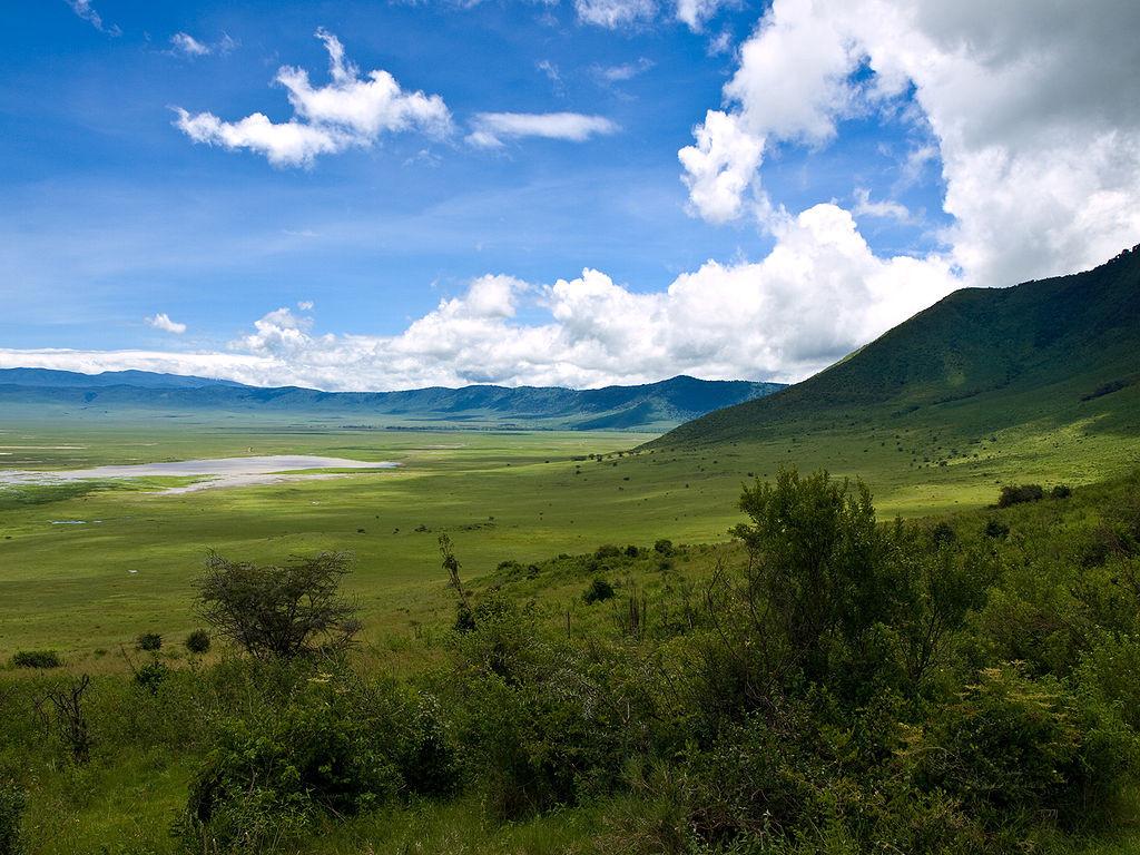 1024px-Ngorongoro_Crater