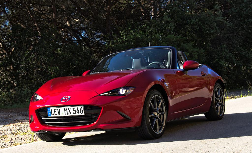 1200px-2015_Mazda_MX-5_ND_2.0_SKYACTIV-G_160_i-ELOOP_Rubinrot-Metallic_Vorderansicht