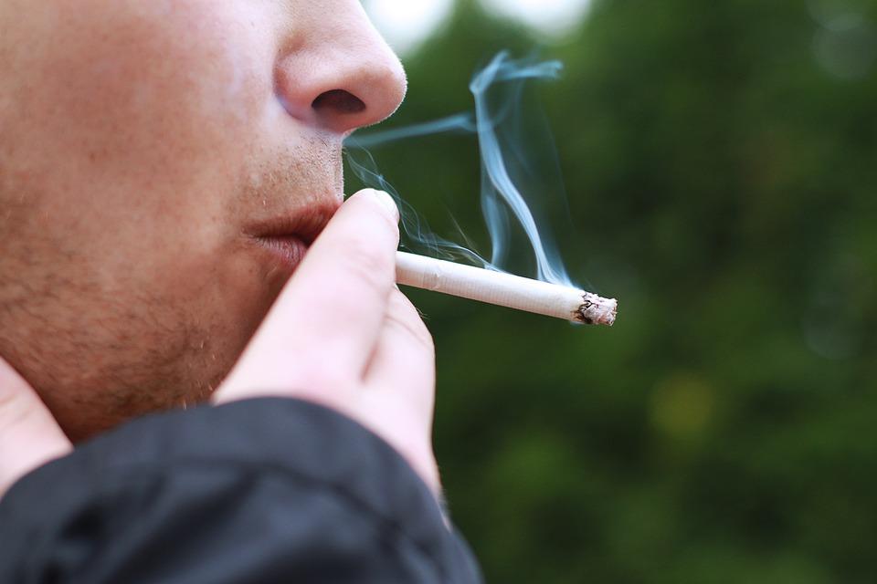 smoking-1026556_960_720