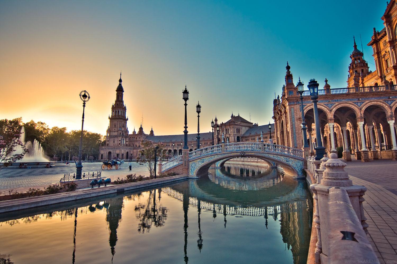 Plaza_de_Espana,_Seville,_Spain